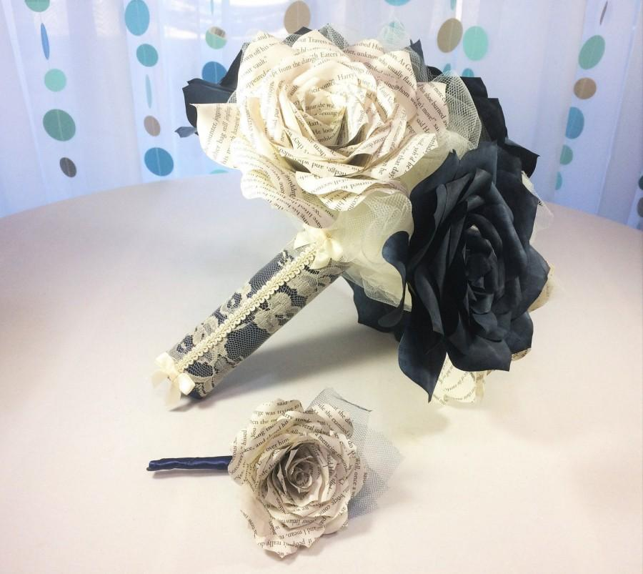 Mariage - Beautiful navy blue wedding bouquet using book page roses with matching boutonniere option and three sizes to choose from - $68.00 USD