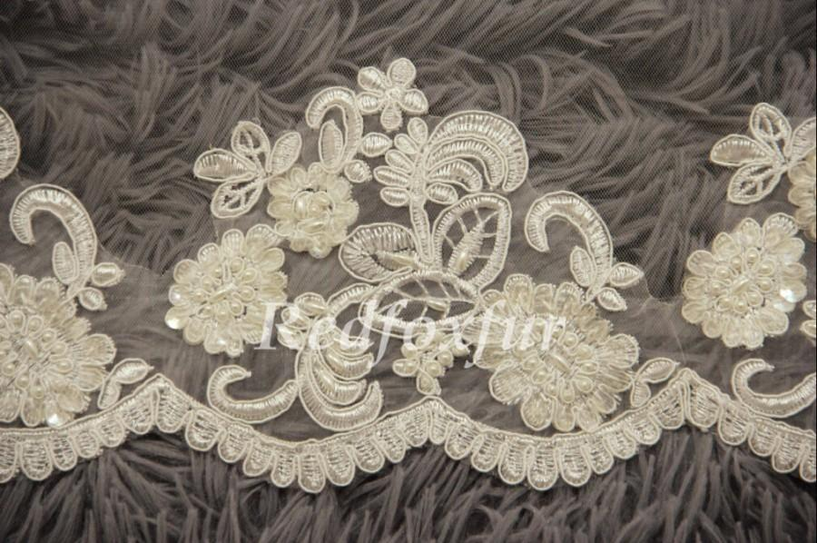 Mariage - Fashion 1T Bridal Veil Ivory Cathedral Veil Hand-beaded Alencon lace veil Lace edge veil Wedding dress veil Wedding Accessories No comb