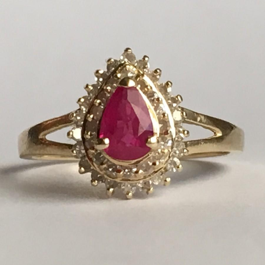 Mariage - Vintage Ruby Ring. Diamond Halo. 14K Solid Yellow Gold Setting. Unique Engagement Ring. July Birthstone. 15th Anniversary. Estate Jewelry.