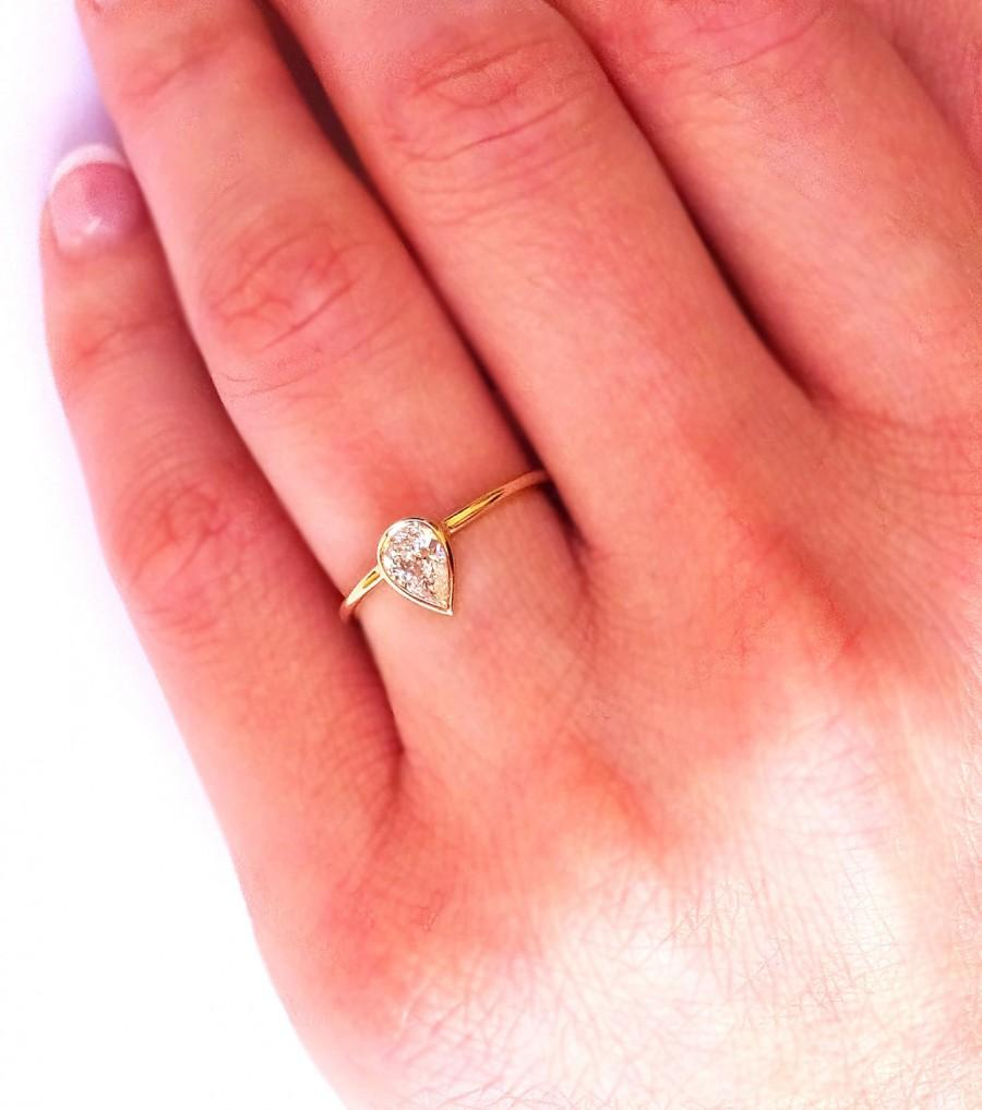Свадьба - Pear Diamond Ring // Pear Engagement Ring // 0.30 Carat Solitaire ring  // Simple Diamond Ring
