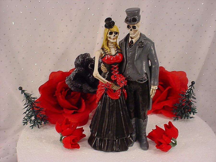 Mariage - Halloween Custom Fall Day Of The Dead Steampunk Couple Wedding cake topper-Goth Bride and Groom- Mr and Mrs Spooky Glam Party  Decorations-1