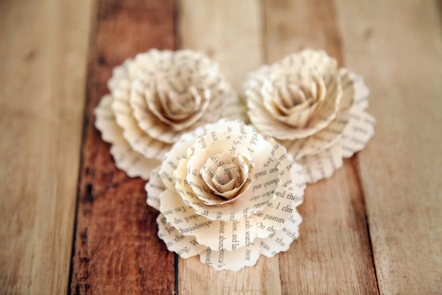 Mariage - 30  Pcs Book Page Paper Carnations for Weddings, Home Decorations, Scrapbooking and Floral Arrangements