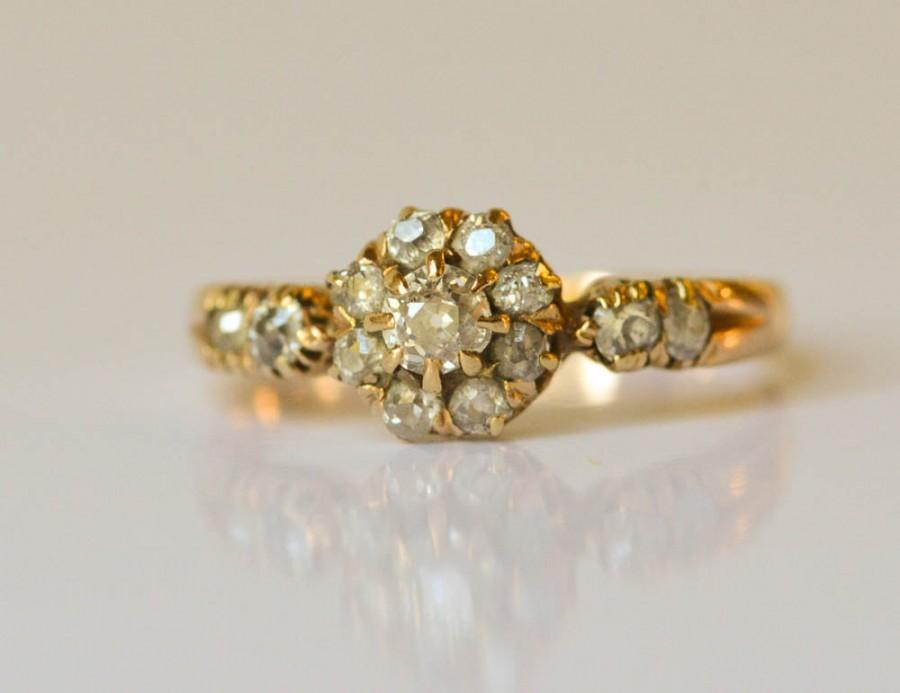 Mariage - Engagement Ring Antique Mine Cut Diamond 18kt Gold Diamond Cluster Ring 1850s Size 5 3/4
