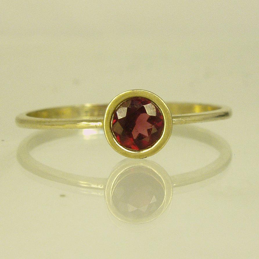 Hochzeit - GARNET  Engagement Ring.GARNET ring,14 karat  ring, gold ring,Recycled gold, Wedding Band, Gold
