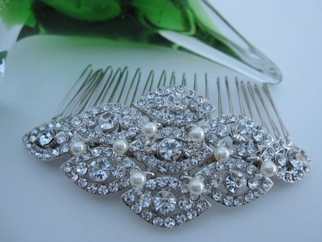 Mariage - Wedding hair comb pearl Bridal hair accessory Bridal hair piece Wedding hair jewelry Wedding headpiece Bridal hair comb vintage Wedding comb