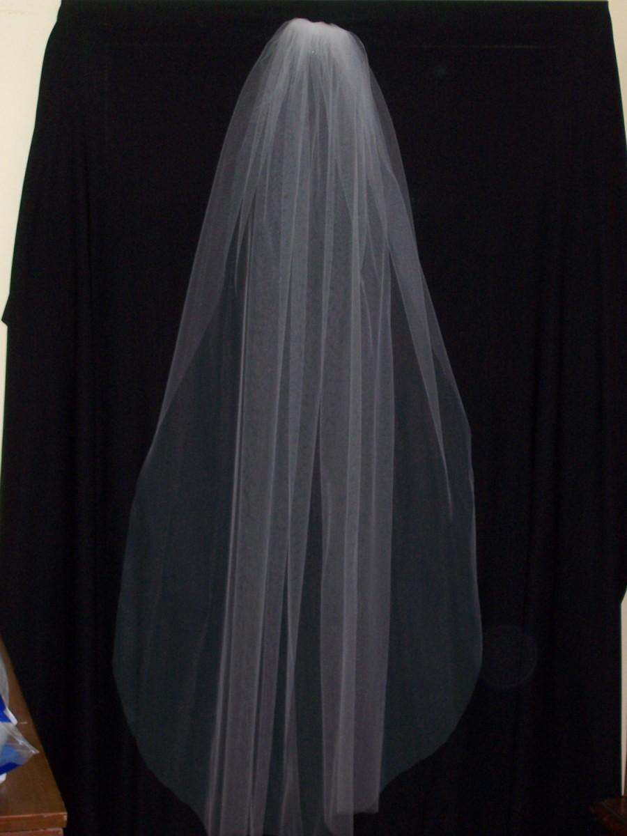 Mariage - Fingertip length, single layer, cut edge veil for your special day!