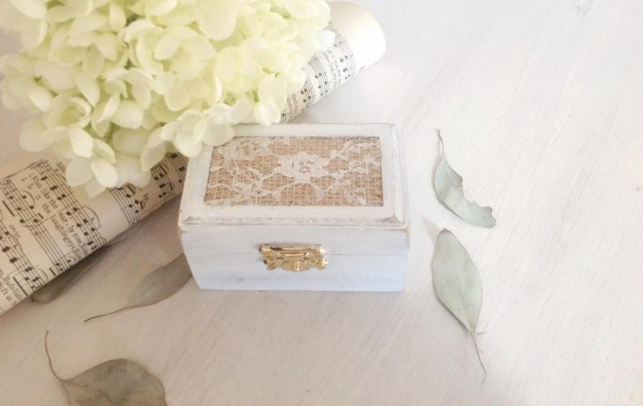 Свадьба - Personalized Ring Bearer Box, proposal engagement box, wedding ring box with Burlap and  Lace, wedding band ring pillow