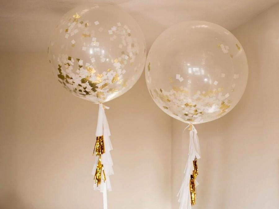 "Mariage - Beautiful 36"" Clear Balloons with White & Gold Confetti and Tassels!"