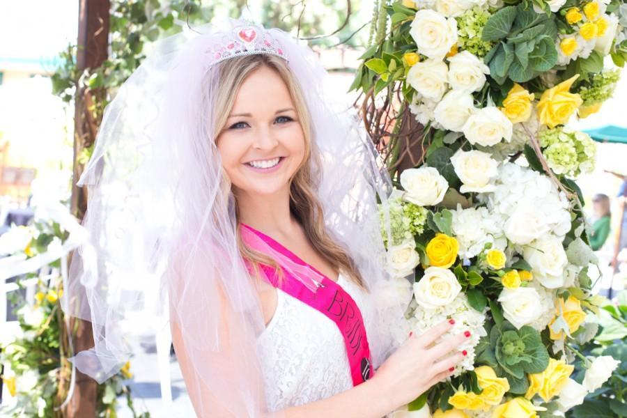 Boda - Bachelorette Veil - Bridal Shower, Bachelorette Party Veil, Vegas style, extra full, extra pouffy veil, Fun Veil, Vegas Bride