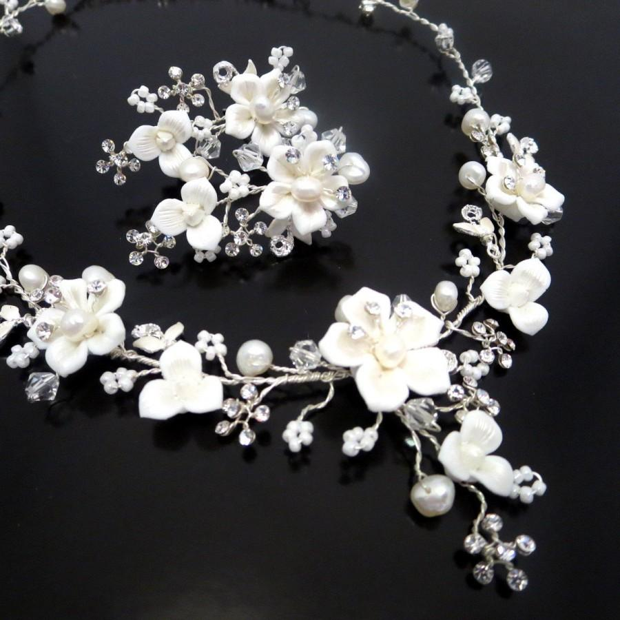 Свадьба - Bridal flower necklace and earrings, Wedding rhinestone and pearl necklace and earrings, Bridal jewelry set, Wedding set, Swarovski crystal