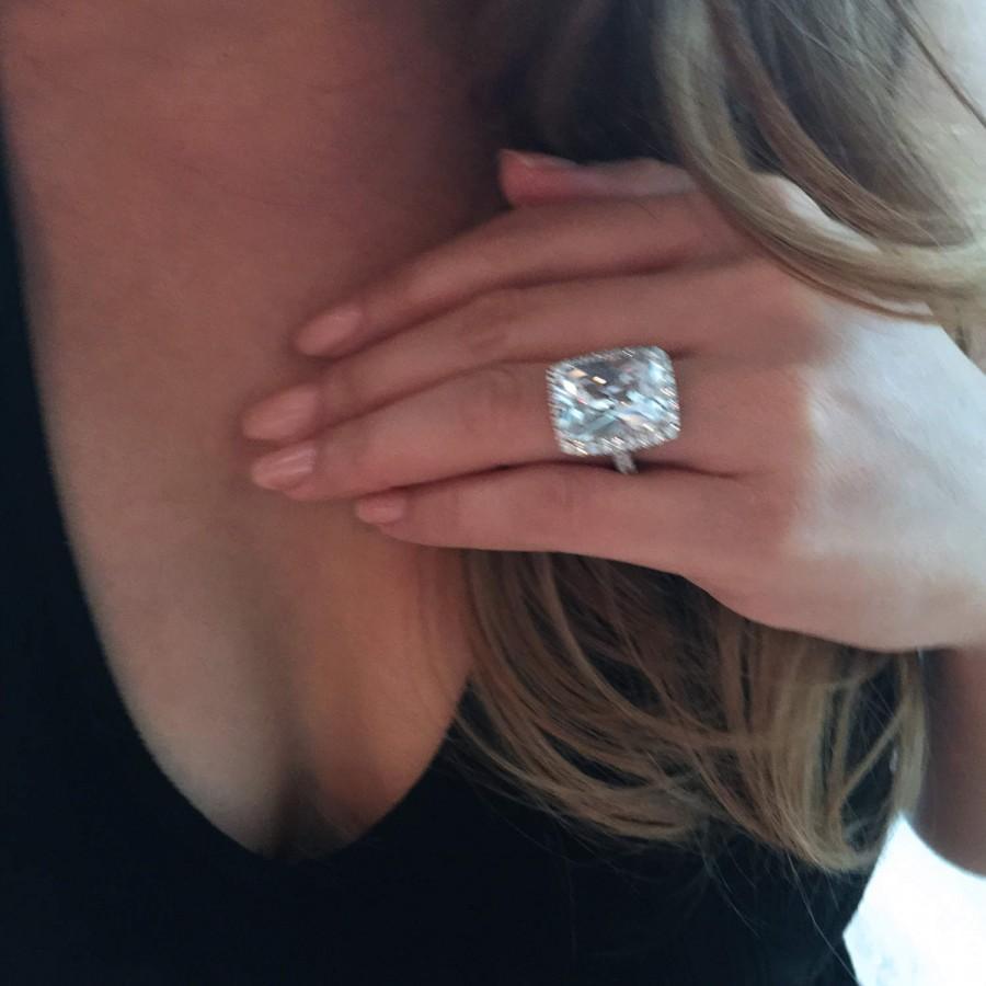 زفاف - 50% off 15 ctw Hollywood Glamorous Ring, Radiant Filigree Halo Ring, Engagement Ring, Man Made Diamond Simulant, Sterling Silver, Final Sale