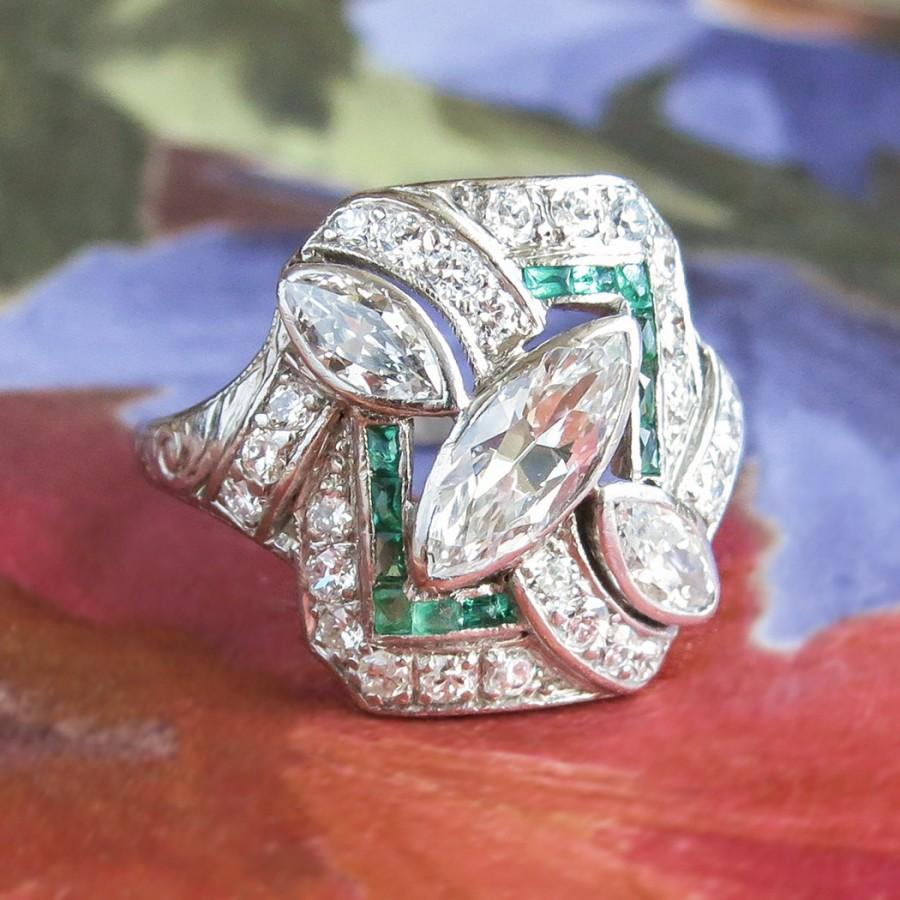 Mariage - Art Deco Vintage 1930's Marquise Diamond Emerald Cocktail Anniversary Engagement Platinum Ring