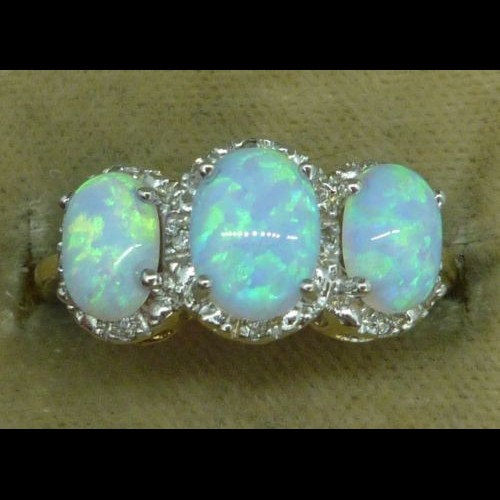Mariage - Spectacular 3.20ct Opal & Diamond Trilogy Gold Ring