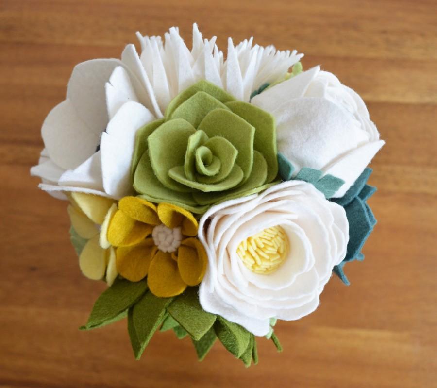 Mariage - Heirloom Felt Flower Bouquet