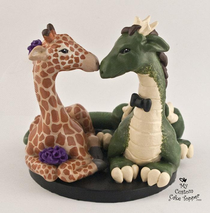 Mariage - Giraffe and Dragon Wedding Cake Topper