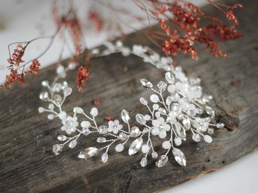 Hochzeit - Bridal Headpiece, Wedding Hair Vine, Bridal Hair Vine, Bridal Hair Accessories, White Wedding Haedpiece, Bridal Halo, Ornament, Tiara.