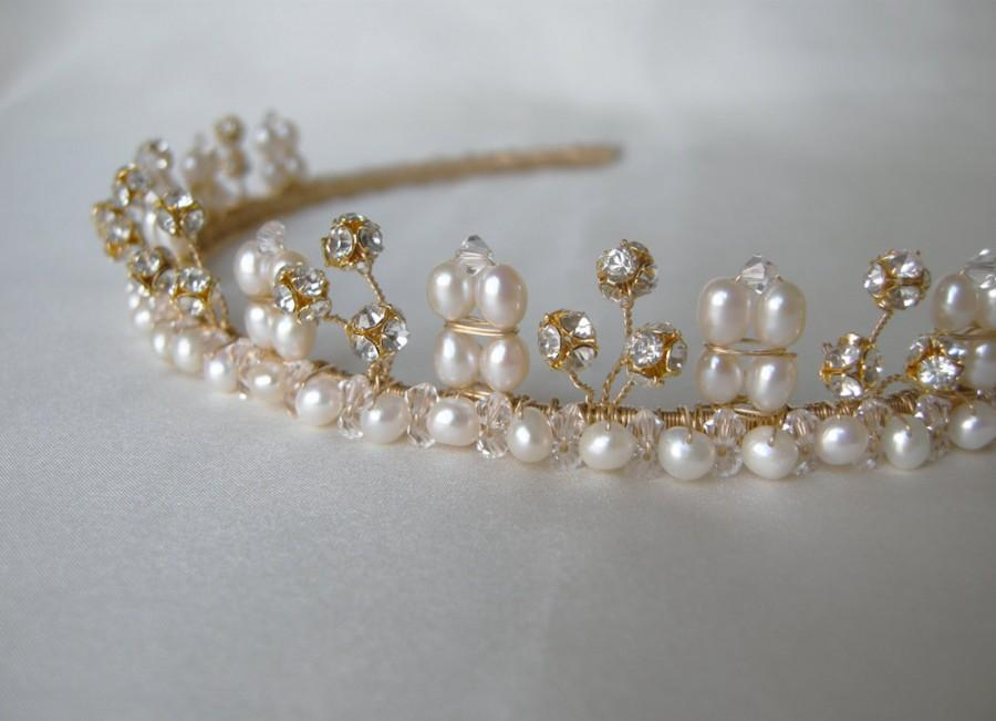 Hochzeit - Bridal crystal tiara, Bridal Swarovski tiara with cultured freshwater pearls, Wedding tiara or headband, Bridal gold tiara