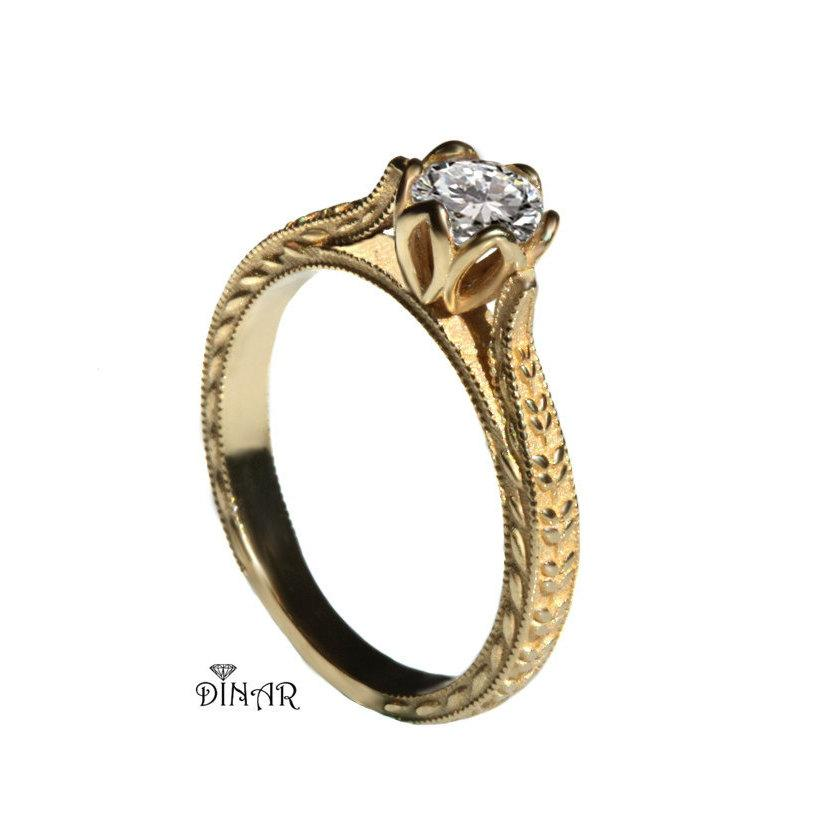 Mariage - Half carat Moissanite flower and leafs ring, 18k leaf Moissanite engagement ring, 14K Gold solitaire half carat Forever one Moissanite ring