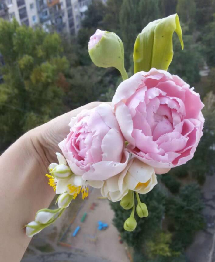 Mariage - Peony hair clip, cold porcelain, barrette with flowers, hair accessories, hair color, bridal jewelry, bridesmaid jewelry, decoration curtain