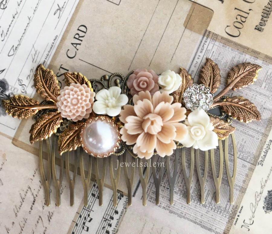 Mariage - Bridal Hair Comb Wedding Headpiece Floral Hair Adornment Romantic Neutral Wedding Theme Tan Hair Slide Statement Decorative Comb