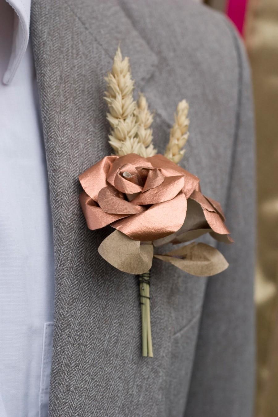 Mariage - Copper and Wheat Buttonhole / Paper Boutonniere / Mens Buttonholes / Metallic Rose Gold Paper Flower Buttonholes / Rustic Wedding / UK