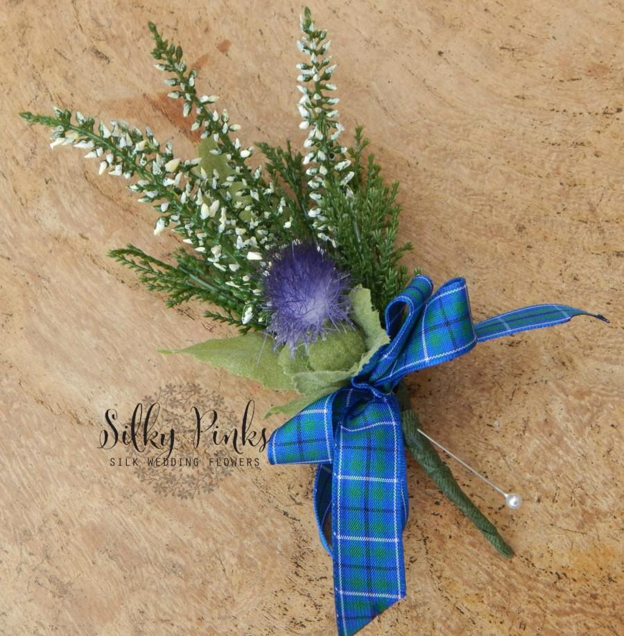 Mariage - Grooms Boutonniere, Heather & Thistle Buttonhole, Scottish Theme Wedding Flower, White Heather,Groomsman Boutonniere