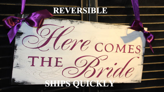 Свадьба - Here Comes the BRIDE Sign/Wedding Sign/Photo Prop/U Choose Colors/Great Shower Gift/Plum/Reversible Options/Wood Sign/U Choose/Fast Shipping