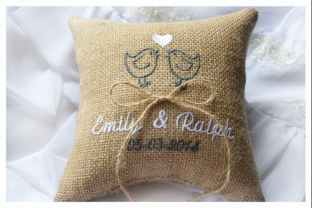 Mariage - Burlap Wedding pillow , lovebirds wedding pillow , ring bearer pillow, ring bearer pillow with Custom embroidery (R40B)