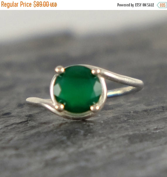 زفاف - Green Onyx Engagement Ring, Green Onyx Ring, Sterling Silver ring, Green Onyx Jewelry, Green Gemstone Ring, Modern Ring - MADE TO ORDER