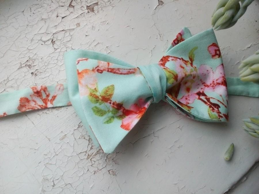 Hochzeit - Mint sakura bow tie Shabby chic self tie bowtie Men's bowties The best coworkers gifts Shabby chic wedding ties Gift for uncle nephew duifg - $19.61 USD