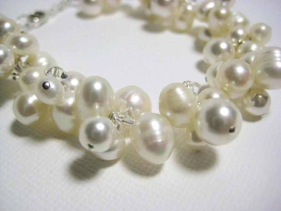 زفاف - Bridal Bracelet, Ivory Freshwater Pearl Cluster Bracelet, Beach Wedding Jewelry, Swarovski Pearls Crystals, Grace Bracelet B218B09