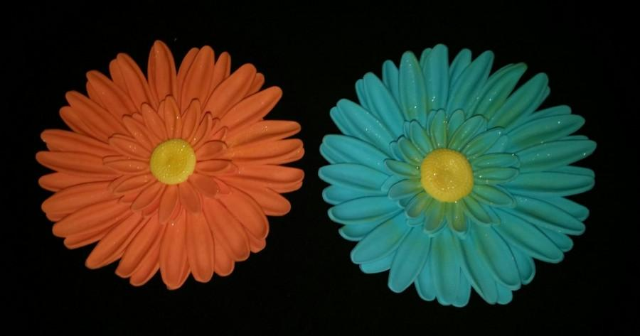 Mariage - 10 Edible GERBERA DAISIES gum paste/fondant / sugar flowers / cake decorations or cupcake topper