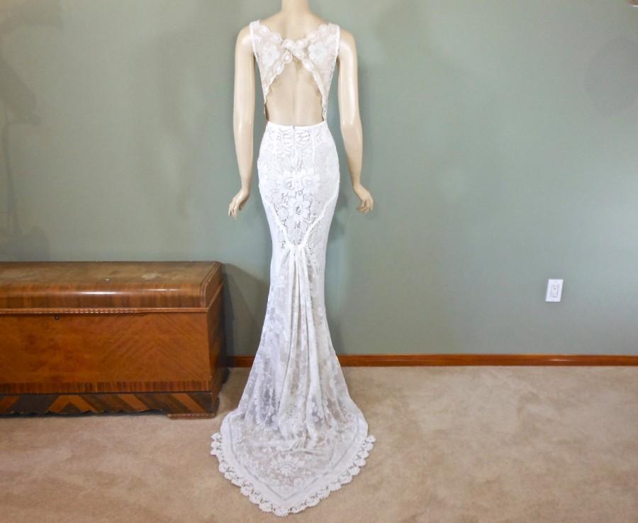 Wedding - Beach Wedding Dress, Keyhole Back, Vintage LACE Wedding Dress Handmade Simple Wedding Dress One of a kind Sz Medium