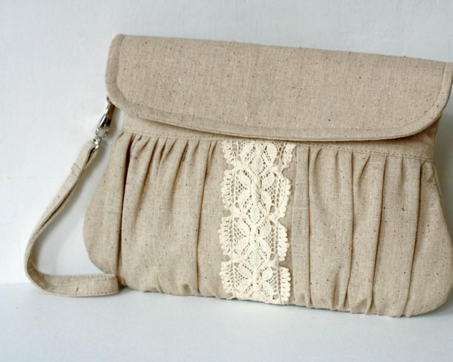 Свадьба - Rustic style linen and lace clutch - bridesmaid gift - wedding clutch