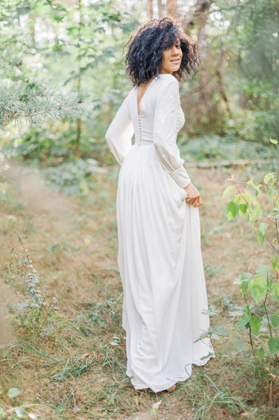 Свадьба - Modest sheath wedding dress with two layered skirt and embroidered lace bodice