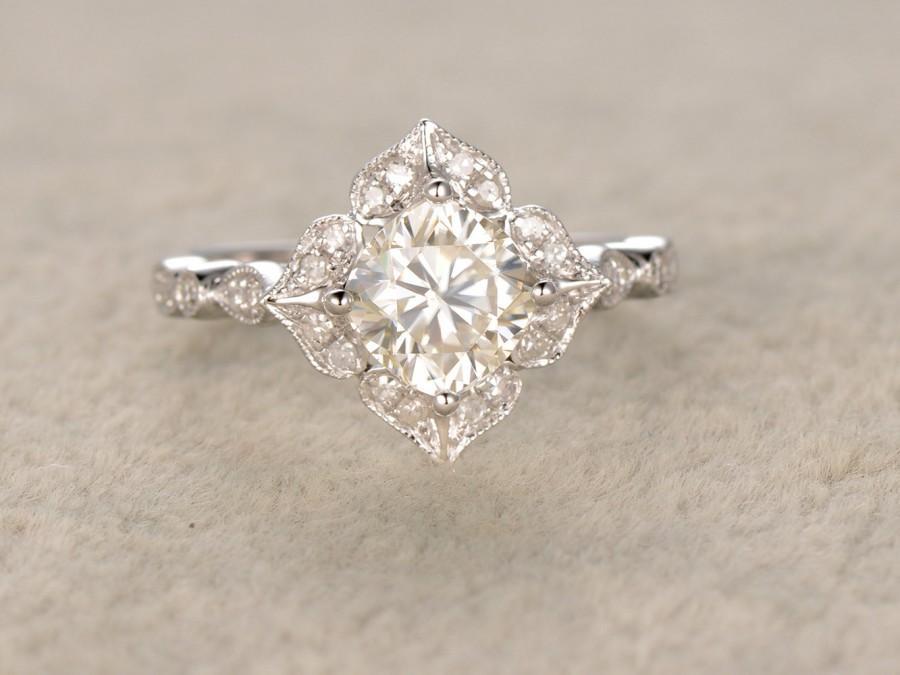 Mariage - 6mm Cushion brilliant Moissanite Engagement ring 14k White gold,Diamond wedding band,Promise Bridal Ring,Halo floral,Anniversary