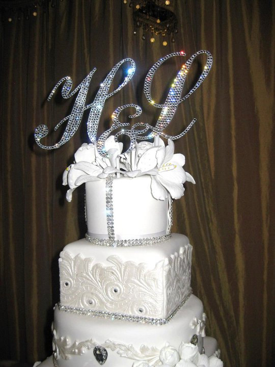 "Свадьба - Swarovski Crystal Custom Monogram Cake Topper Choice of 3""-6"" ANY initial (Letter or Number) & any Color Crystal"