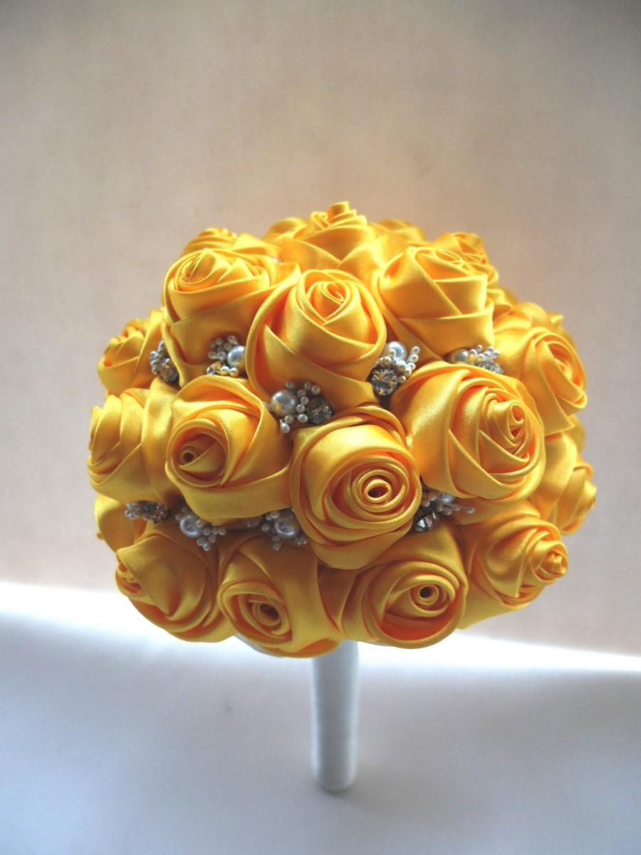 Mariage - Handmade Satin Rose Bouquet- All Yellow Satin Rose accented with rhinestone (Large, 8 inch)