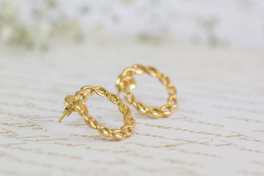 Свадьба - Women's Gift, Circle Jewelry, Infinity Jewelry, Dainty Gold Earrings, Friendship Jewelry, Mothers Earrings, Bridal Jewelry, Post Earrings