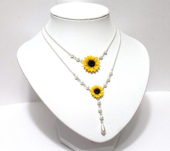 Hochzeit - Sunflower Necklace, Bridal Sunflower, Bridesmaid Jewelry, For Her, Wedding White pearl, Yellow Sunflower, Bridesmaid Necklace, Bride Flower