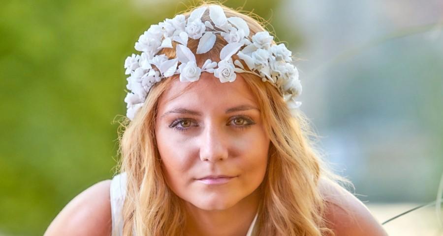 زفاف - Roses floral crown - Floral bridal tiara - Flower fascinator for brides - White fascinator