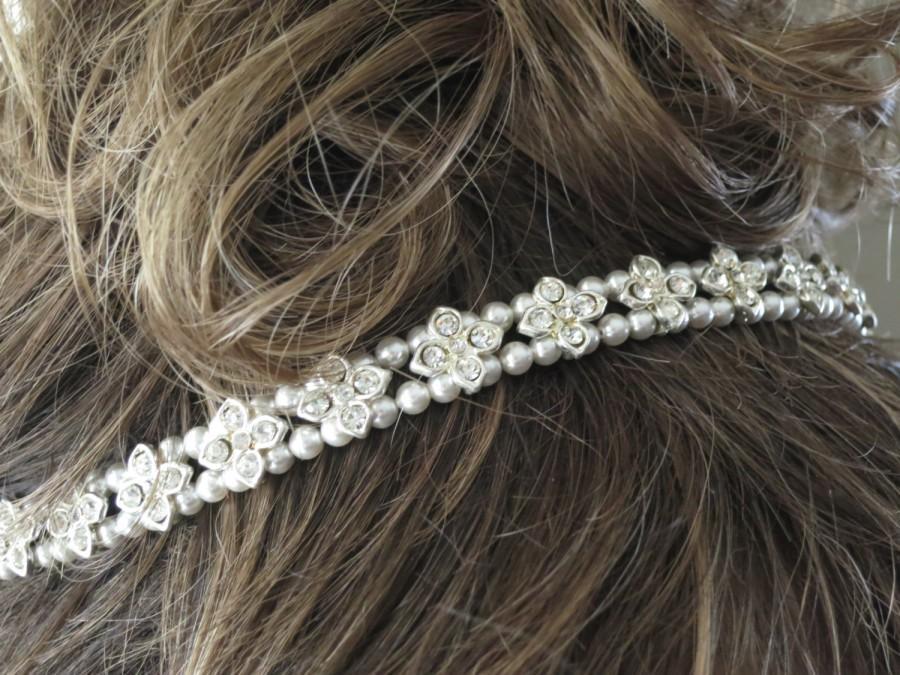 Свадьба - Pearl and crystal bridal hairpiece, Rhinestone wedding halo, Swarovski pearl headpiece