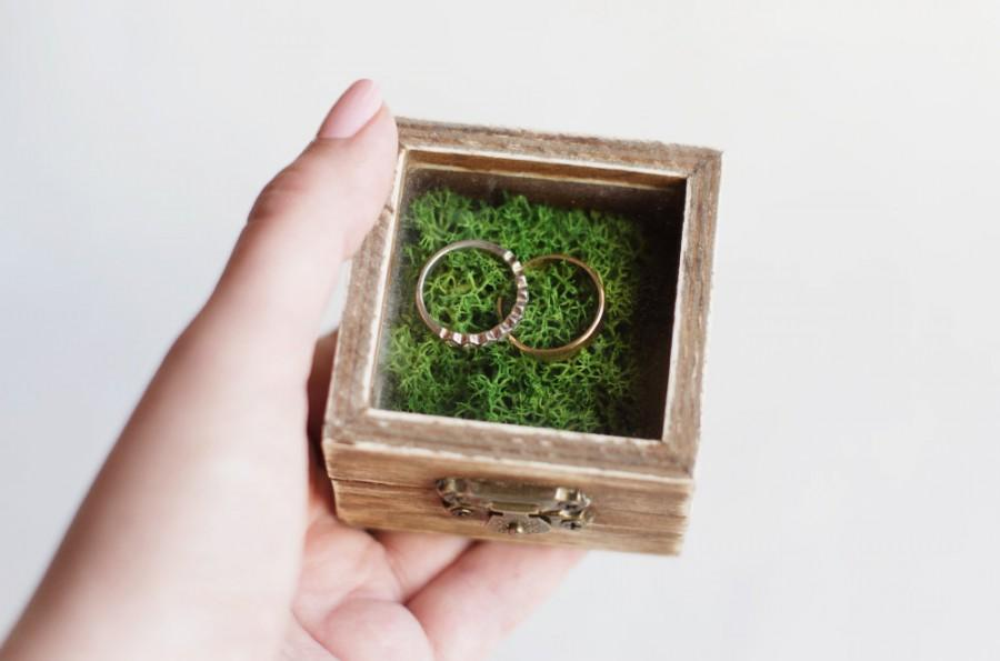 Mariage - Rustic Wedding Ring Box With Moss - Glass Box, Ring Bearer Box, Wooden Wedding Box, Romantic Wedding, Shabby Chic, Wedding Ideas, Brown Box
