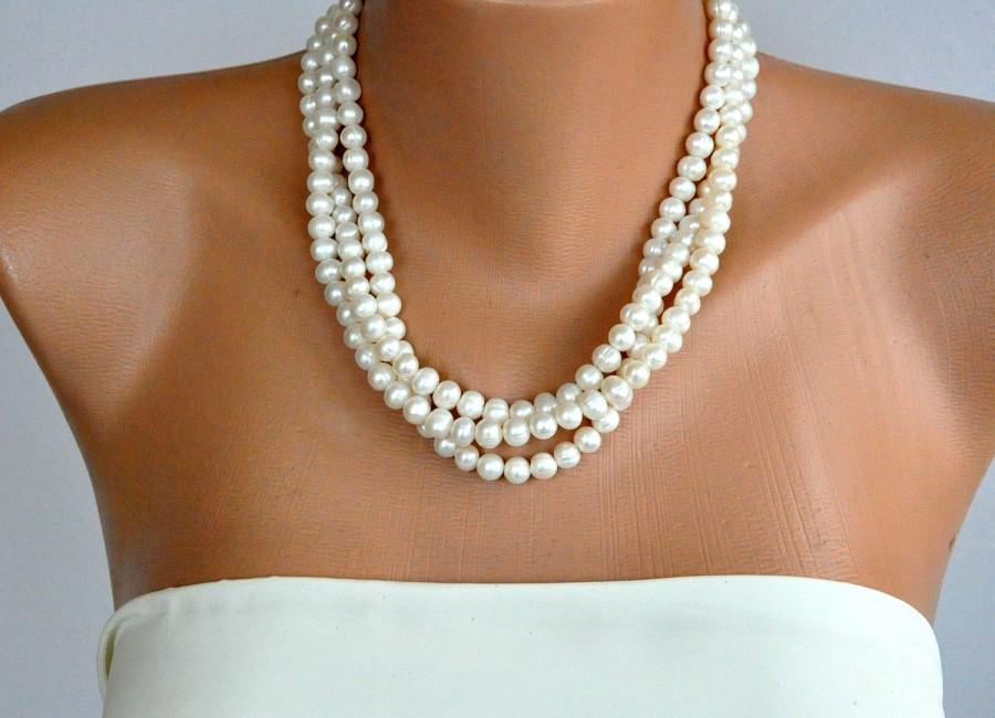 Hochzeit - Ivory Freshwater Pearl Necklace brides bridesmaid special occasion