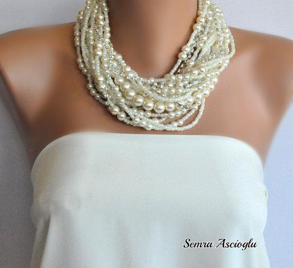 Hochzeit - Handmade Chunky Bridal Ivory Necklace