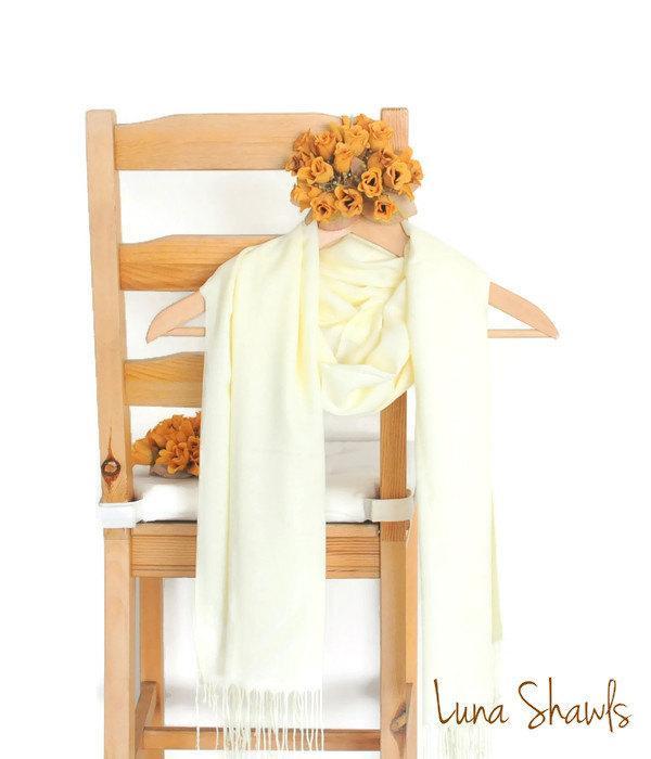 Mariage - Light Yellow Shawl, Wedding Shawl, Solid Color Scarf, Ivory Pashmina, Bridesmaid Shawl, Bridesmaid Gift, Light Camomile Scarf, Banana Split