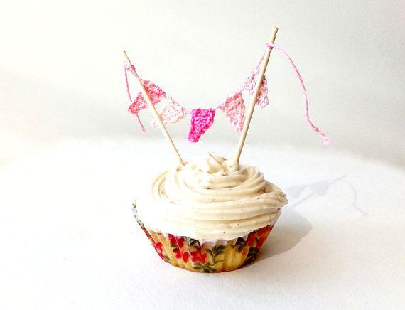 Свадьба - Bunting cupcake topper - unique cake topper - birthday cupcake toppers - kids party decoration - crochet bunting decor ~8 cm/3 inches/