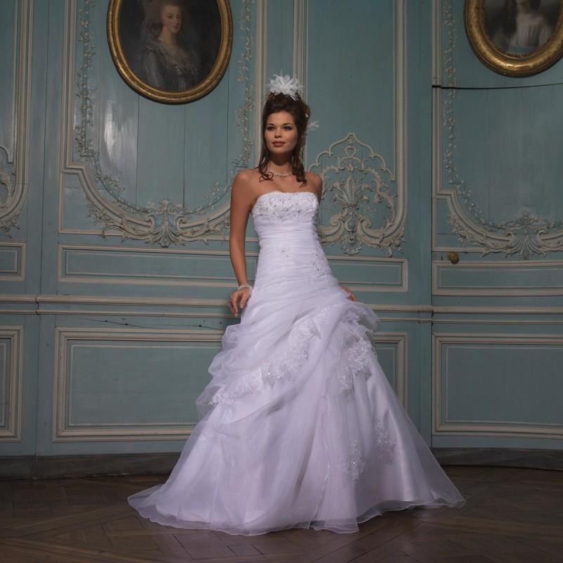 Hochzeit - Tomy Mariage, Joie - Superbes robes de mariée pas cher