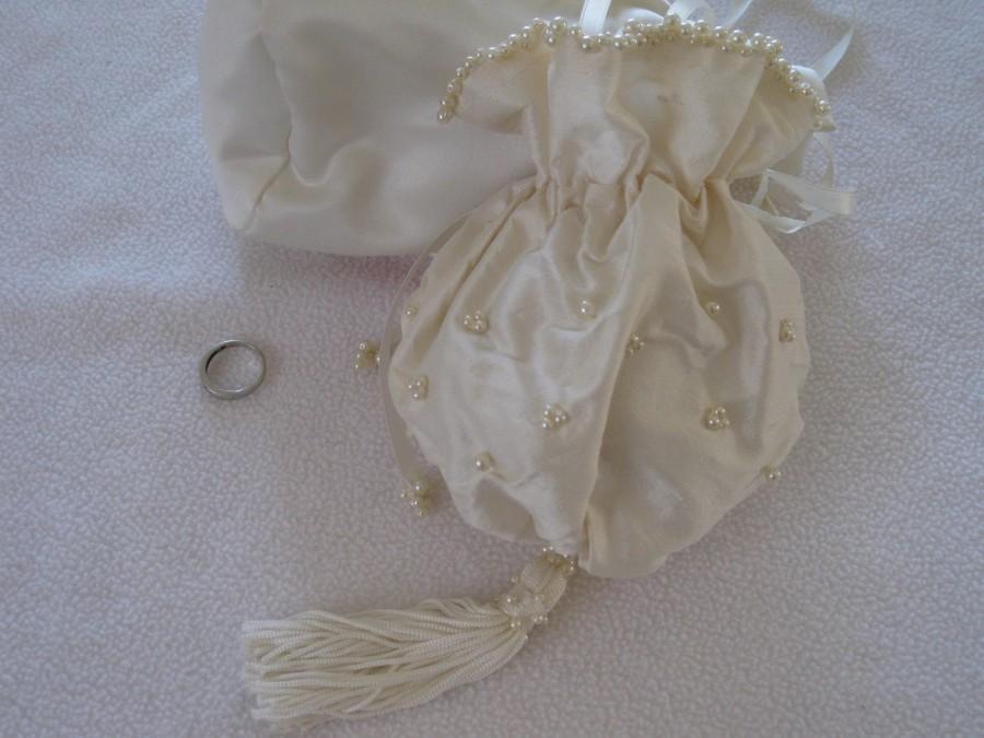 Свадьба - Silk Bridal Wrist Bag MADE TO ORDER