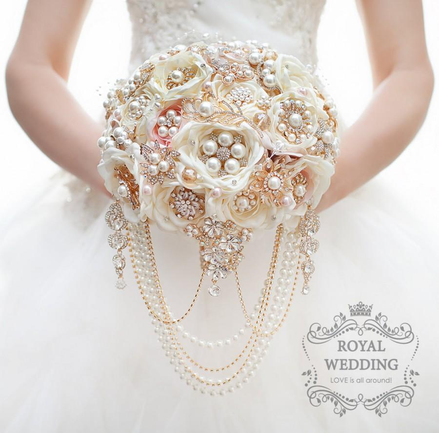 Mariage - Bridal Bouquet Brooch Bouquet Gold Wedding Bouquet Ivory Bouquet Pink Bouquet Rose Gold Bouquet Fabric Bouquet Jewelry Bouquet Chic Bouquet